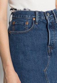 Levi's® - DECON ICONIC SKIRT - A-line skjørt - dark-blue denim - 4