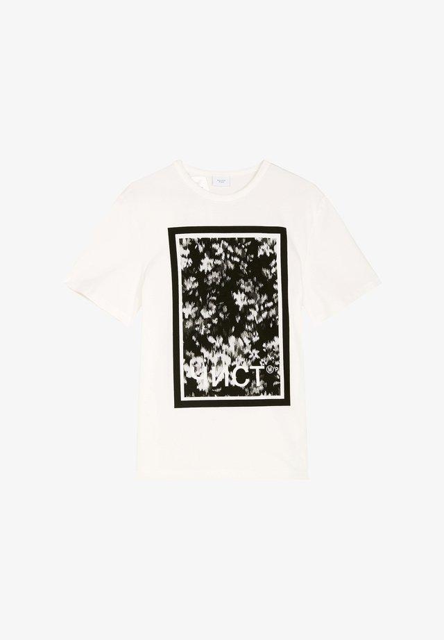 T-shirt z nadrukiem - clear white