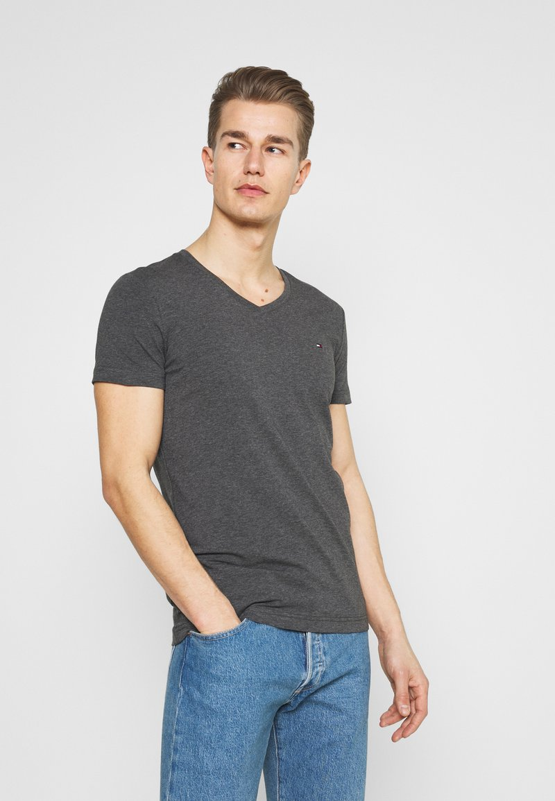 Tommy Hilfiger - STRETCH V NECK TEE - T-shirt - bas - black heather