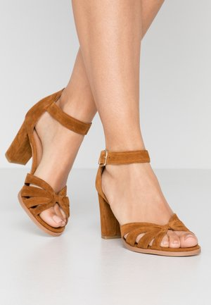 GILLIAN - Sandals - tan