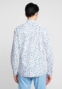 Selected Homme - SLHSLIMNEW MARK - Formal shirt - white/big blue - 2