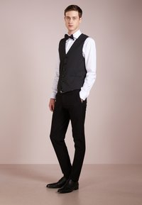 DRYKORN - MALM - Gilet elegante - black - 1