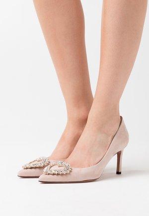 STEFY - Classic heels - conture