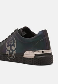 Ed Hardy - LUCKY LOW TOP  - Trainers - iridescent/gunmetal - 6