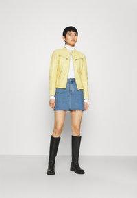 Gipsy - CHARLEE LAORV - Kožená bunda - pastel yellow - 1