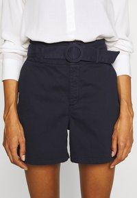 NAF NAF - GARO - Shorts - bleu marine - 3