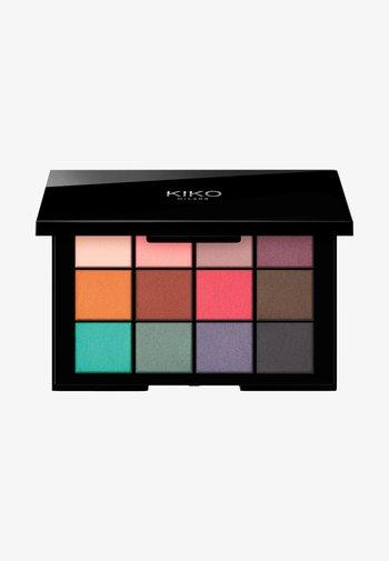 SMART CULT EYESHADOW PALETTE - Eyeshadow palette - 01 matte revolution