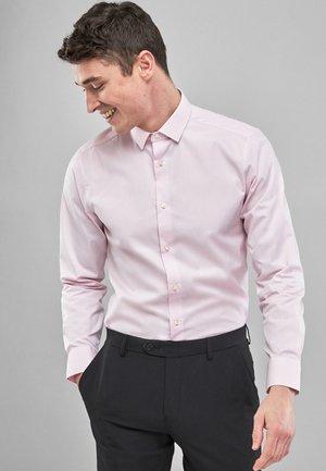 REGULAR FIT  - Formal shirt - pink