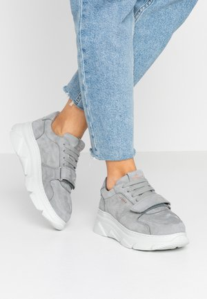 CPH41 - Baskets basses - grey