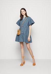 Vanessa Bruno - RIO - Robe en jean - blue - 1
