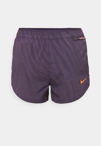 Nike Performance - Korte broeken - dark raisin/bright mango - 3