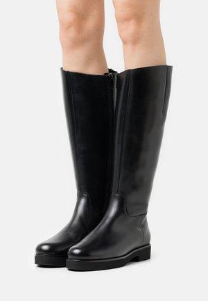 HIGH ATTENTION - Platform boots - schwarz