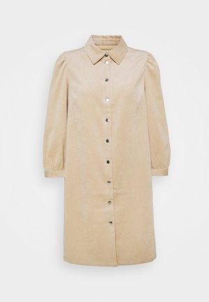 ONLRILLA PUFF DRESS - Skjortekjole - humus