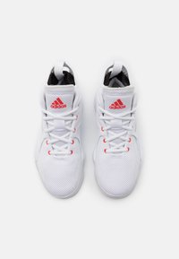 adidas Performance - ROSE BOUNCE SPORTS BASKETBALL SHOES UNISEX - Basketbalové boty - white - 3