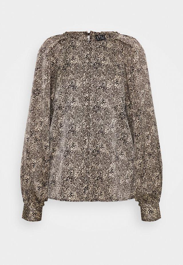 VMBILLI BUTTON - Bluzka z długim rękawem - macadamia