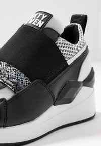 Sixtyseven - WASEDA - Slip-ons - actled black/white - 2