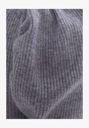 MIT RAFFUNG AN DEN SCHULTERN - Shift dress - grey