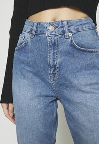 NA-KD - MOM - Jeans Tapered Fit - light blue - 3