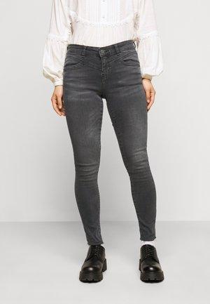 NMLUCY SKINNY  - Skinny džíny - medium grey denim