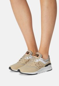 New Balance - CW997 - Trainers - incense - 0