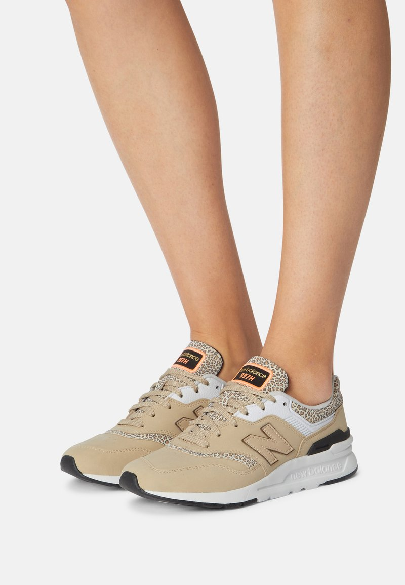 New Balance - CW997 - Trainers - incense