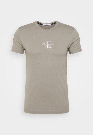 NEW ICONIC ESSENTIAL TEE - T-shirt z nadrukiem - elephant skin