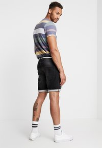 Redefined Rebel - SYDNEY TERRY - Denim shorts - marble black - 2