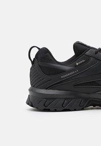 Reebok - RIDGERIDER 6 GTX - Trail running shoes - core black/tech metallic - 5