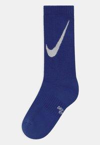 Nike Sportswear - EVERYDAY CUSHIONED CREW 6 PACK UNISEX - Socks - white/blue - 1