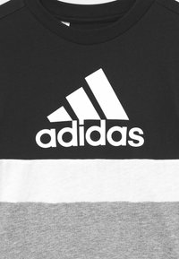 adidas Performance - COLORBLOCK ESSENTIALS UNISEX - Triko spotiskem - black/medium grey heather/white - 2