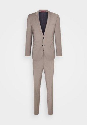 ARTI HESTEN - Suit - light beige