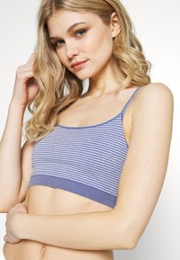 GAP - NOVELTY SEAMLESS RACERBACK - Bustier - blue heather - 4