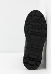 Pavement - FLORA - Platåstøvler - black - 6