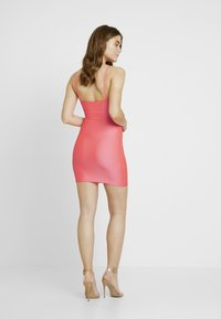 Nly by Nelly - SO GLOSSY CUT DRESS - Shift dress - pink - 2