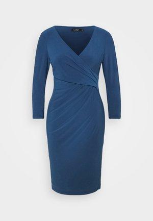 MID WEIGHT DRESS - Pouzdrové šaty - dark cerulean