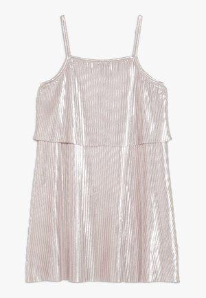 SHINY PLEATED DRESS - Koktejlové šaty/ šaty na párty - pink pale