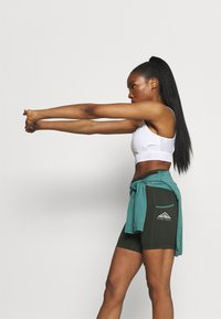 Nike Performance - EPIC LUXE  - Tights - olive - 3