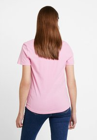 Tommy Jeans - SOFT TEE - Basic T-shirt - pink - 2