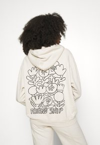 Levi's® - WELLTHREAD HOODIE - Hoodie - beach break/black - 2