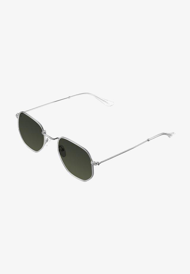 EYASI - Sunglasses - silver olive