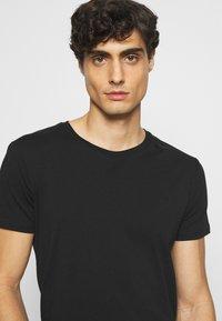 LTB - 3 Pack - Basic T-shirt - black/ olive/ grey melange - 6