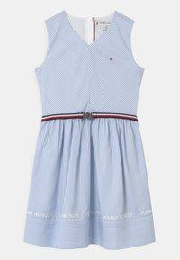 Tommy Hilfiger - STRIPE V-NECK - Vestito elegante - calm blue - 0