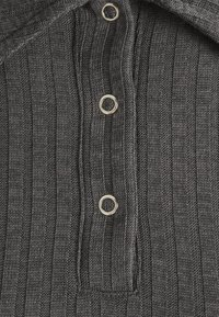 Nly by Nelly - BUTTON UP COLLAR - Polo shirt - offblack - 2