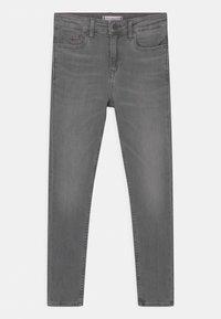 Tommy Hilfiger - SYLVIA SKINNY - Jeans Skinny Fit - summer pearl grey - 0
