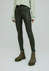 EDITED - LEGGINGS TERESA - Leggings - Trousers - grün - 0
