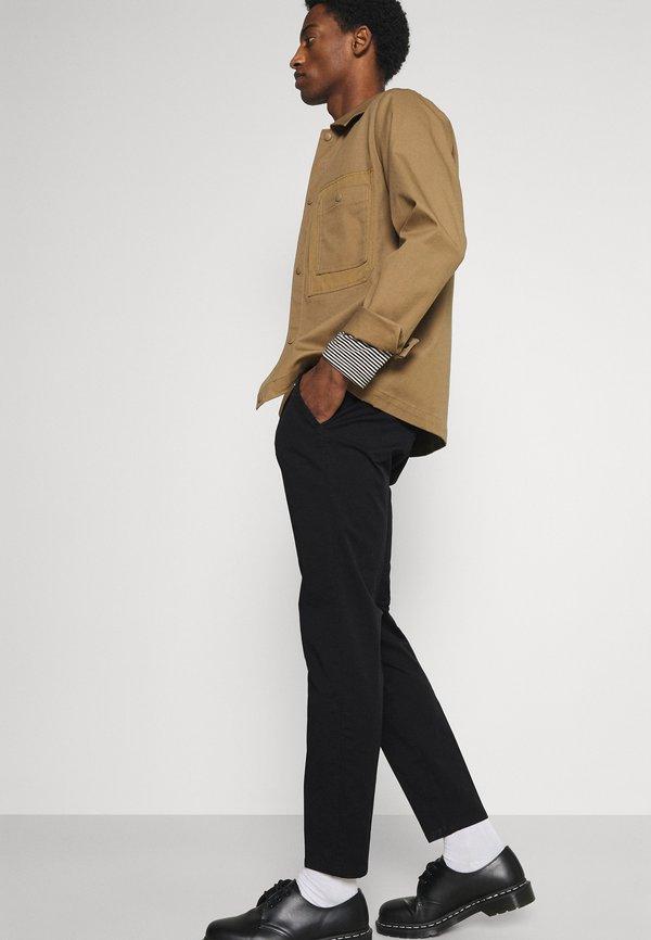 Esprit Collection Chinosy - black/czarny Odzież Męska ODFX