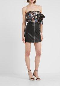 Pinko - LEVIGARE GONNA SIMIL - Mini skirt - black - 0