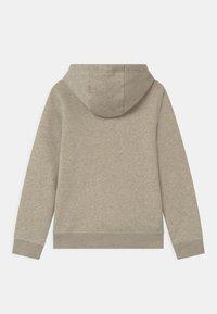 Nike Sportswear - CLUB - Jersey con capucha - stone - 1