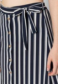 Vero Moda - VMSASHA ANCLE SKIRT NOOS - A-lijn rok - navy blazer/snow white coco - 4