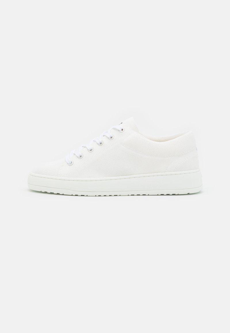 ETQ - LT01 - Trainers - white